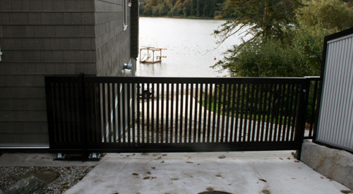 CANTILVER GATE FOR BOAT LAUNCH
