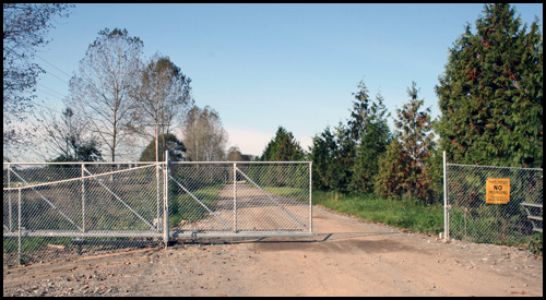 CHAIN LINK CANTILEVER GATE IN MID POSITION