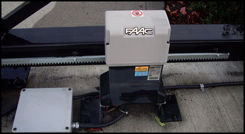 FAAC 840 SLIDE GATE AUTOMATION