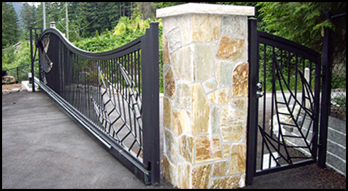 MATCHING MAN GATE WITH STAINLESS STEEL HARDWARE