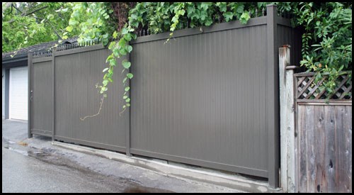 POWDER COATED PRIVACY PANEL FENCING