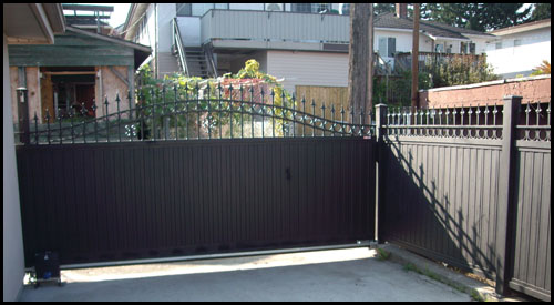 POWDER COATED TEXTURE BLACK ARCHED TOP DRIVEWAY GATE