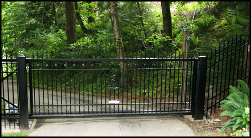STEEL FLAT TOP ORNAMENTAL CANTILEVER SLIDING DRIVEWAY GATE