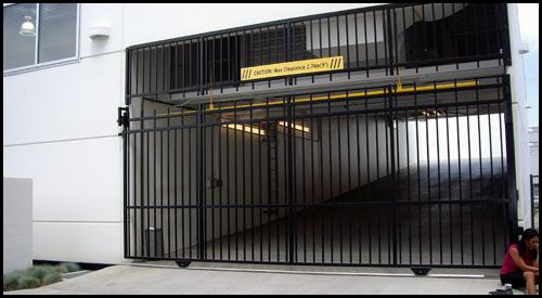 UNDERGROUND CAR PARK DRIVEWAY GATE CLOSED