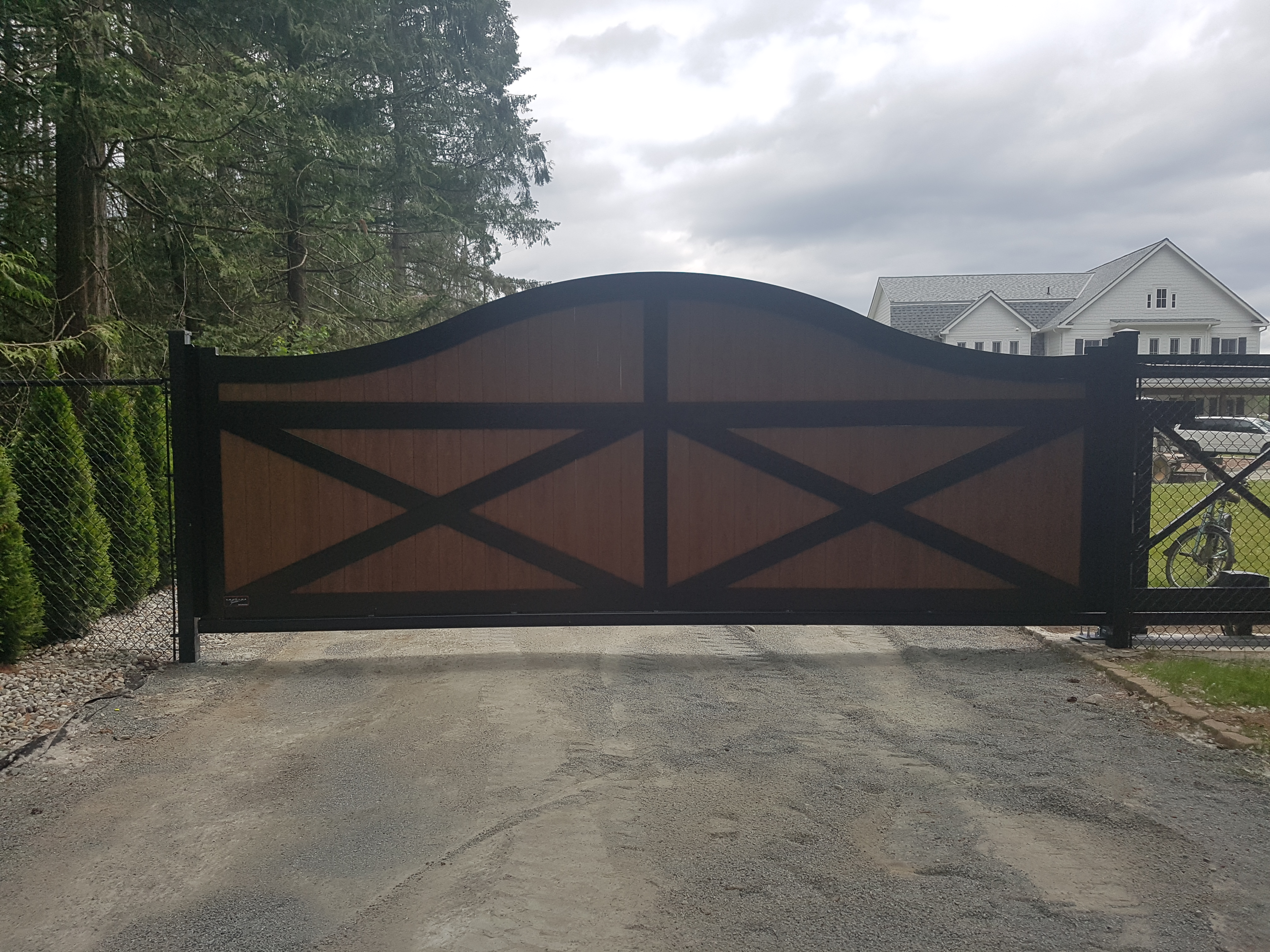 Arched Top Slide Gate