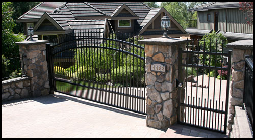 FLAT TOP MATCHING MAN GATE WITH ELECTRIC STRIKE